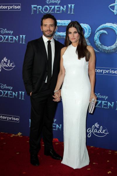 aaron lohr idina menzel frozen ii 2019 400x600 - Selena Gomez arrives at Disney's 'Frozen II' World Premiere