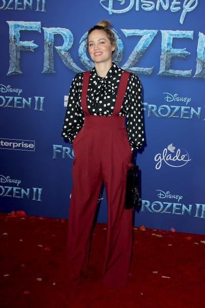erika christensen frozen ii 2019 400x600 - Selena Gomez arrives at Disney's 'Frozen II' World Premiere