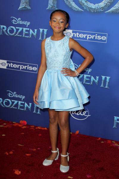 faithe herman frozen ii 2019 400x600 - Selena Gomez arrives at Disney's 'Frozen II' World Premiere