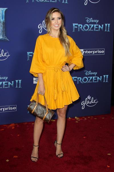 frozen ii world premiere frozen ii 2019 3 400x600 - Selena Gomez arrives at Disney's 'Frozen II' World Premiere