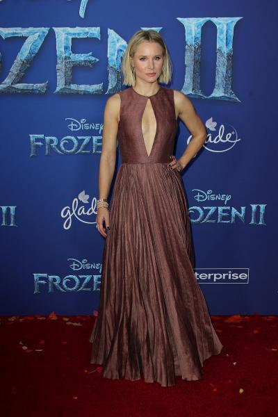 kristen bell frozen ii 2019 400x600 - Selena Gomez arrives at Disney's 'Frozen II' World Premiere